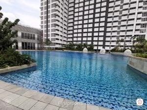 kolam renang apartemen west vista